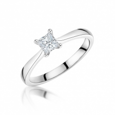 18ct White Gold Single Stone Princess Cut Ring